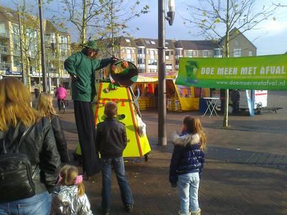 Theateract op het Rond met mobiele composteerinstallatie