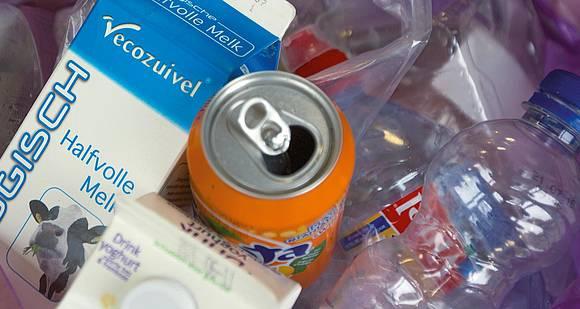 waar kan ik zakken halen voor plastic afval